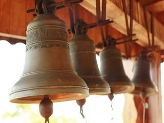 Во всех монастырях УПЦ будут трижды в день звонить в колокола и молиться об избавлении от коронавируса