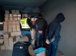 Вооруженные бандиты ограбили киевских бизнесменов на 100 тысяч... масок