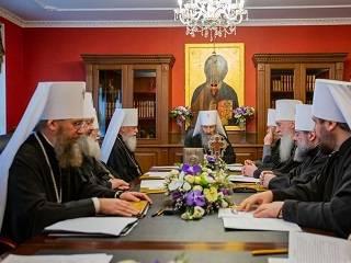 В храмах Украинской Православной Церкви во время пандемии коронавируса богослужения не будут прекращаться
