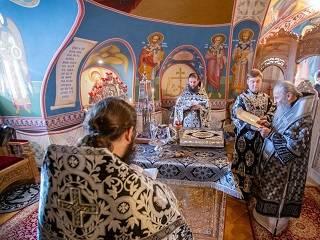 Синод УПЦ утвердил особую молитву во время пандемии