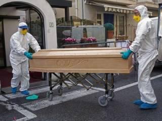 Смертность от коронавируса в Италии продолжает «зашкаливать»