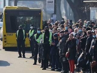 Кличко пошел в атаку на COVID-19: в Киеве ограничивают работу всего общественного транспорта