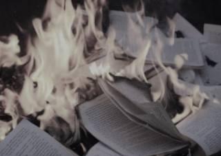 Неудобные советские книги скоро станут сжигать