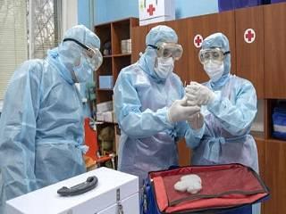 Во всех храмах УПЦ будут молиться о медицинских работниках