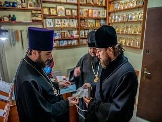 В Киеве епископы осматривают храмы УПЦ на предмет соблюдения противопандемических мер