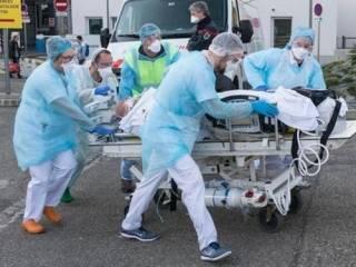Во Франции угрожающими темпами растет число случаев заражения COVID-19