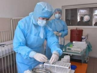 На Тернопольщине медики массово заражаются коронавирусом