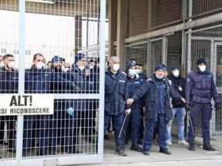 В Италии могут вспыхнуть голодные бунты из-за тотального карантина, ‒ СМИ