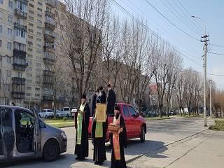 В Украине состоялись крестные ходы УПЦ со святынями и молитвами о прекращении коронавируса