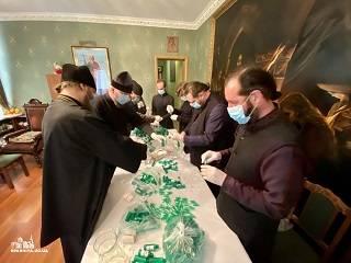 В Одессе монахи УПЦ изготовляют антисептики