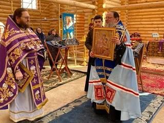 На Буковине община УПЦ захваченного храма завершает строительство новой церкви