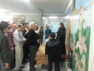 Братия Десятинного монастыря УПЦ помогает нуждающимся защититься от коронавируса