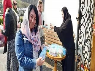 На Закарпатье монахини УПЦ раздают маски и антисептики