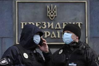 Додумались... Украинцев, приезжающих из-за границы, обяжут пройти 14-дневнюю обсервацию
