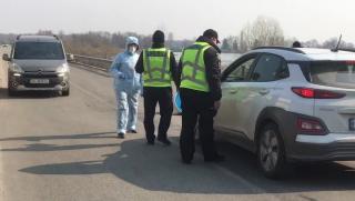 В Украине массово перекрывают дороги из-за корнавируса