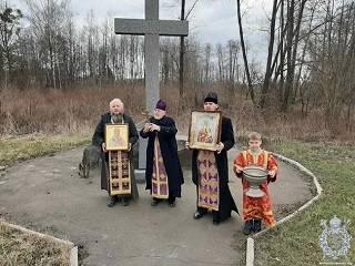 Священники УПЦ объехали Житомир, молясь о прекращении пандемии