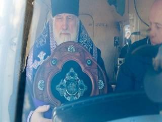 Глава Белорусской Церкви совершил облет границ страны с мощами и иконами, молясь о прекращении коронавируса