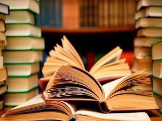 Митрополит Иларион назвал книги, которые стоит прочитать верующим во время карантина