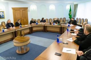 В Беларуси Православная Церковь не закрывает храмы и не прекращает публичные богослужения из-за коронавируса
