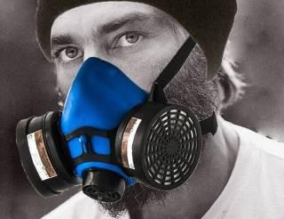 Медики предупреждают бородачей: респираторы не помогают от коронавируса