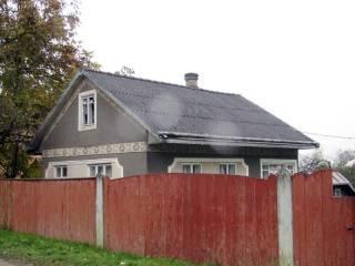 На Буковине односельчанин жестоко изнасиловал старушку в ее же доме