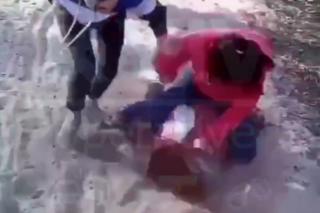 Под Киевом две девочки жестоко избили сверстницу. Третья снимала процесс на видео