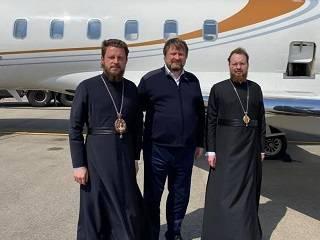 Делегация УПЦ с Благодатным огнем направляется в Украину