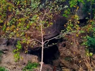 Украинец целый месяц прятался от коронавируса в культовой индийской пещере