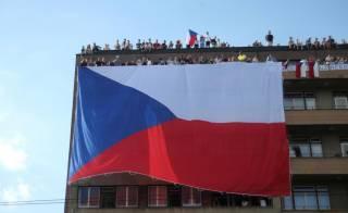 Чехия отменяет карантин и первой в Европе открывает границы