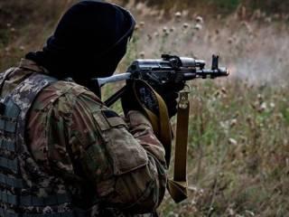 На Донбассе боец ВСУ из «калаша» расстрелял собутыльников