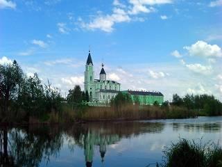Браиловский монастырь закрыт, но верующие могут подать записки онлайн
