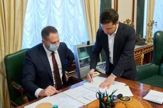 Зеленский одним росчерком пера создал в Украине рынок земли