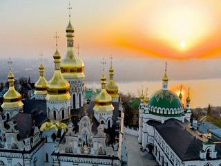 Украинцы собирают подписи, чтобы не передавать Киево-Печерскую лавру ПЦУ
