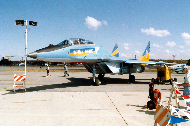 МиГ-29УБ, который выполнял авиатур в США – Канаде в 1992 году