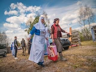 Сестры милосердия передали помощь погорельцам в Житомирской области