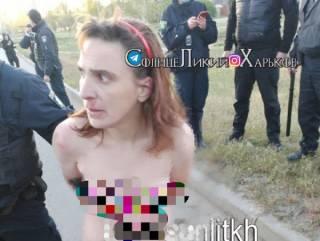 Голая женщина разгуливала по Харькову с отрезанной головой несовершеннолетней девушки
