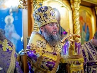 Управделами УПЦ призвал верующих сдать кровь из-за ее дефицита во время пандемии