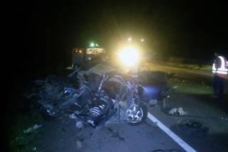 Грузовик смял автомобиль в Днепропетровской области: погибли люди