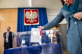 Коронавирус таки сорвал выборы президента Польши: теперь голосовать хотят по почте
