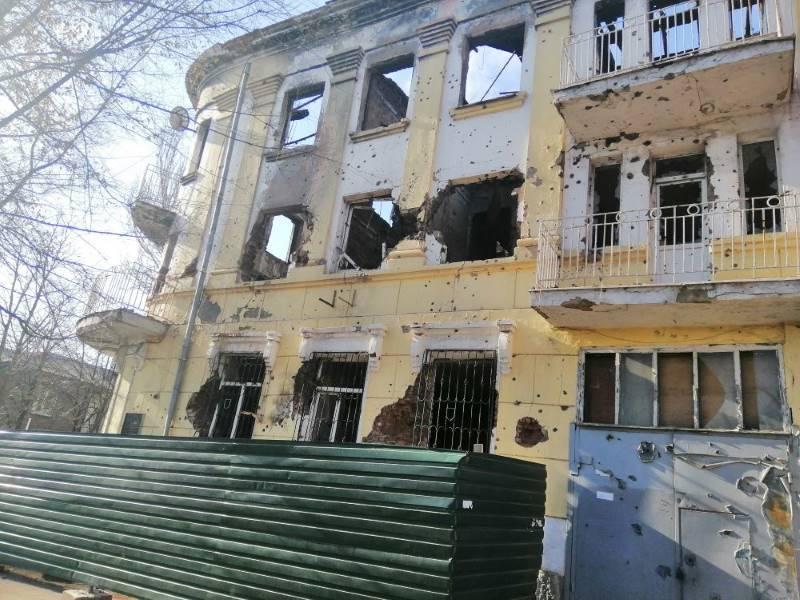 Сожженное здание городского УВД г. Мариуполь (по состоянию на ноябрь 2019 г.)