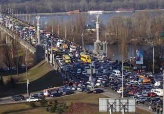 Киев снова сковали огромные пробки