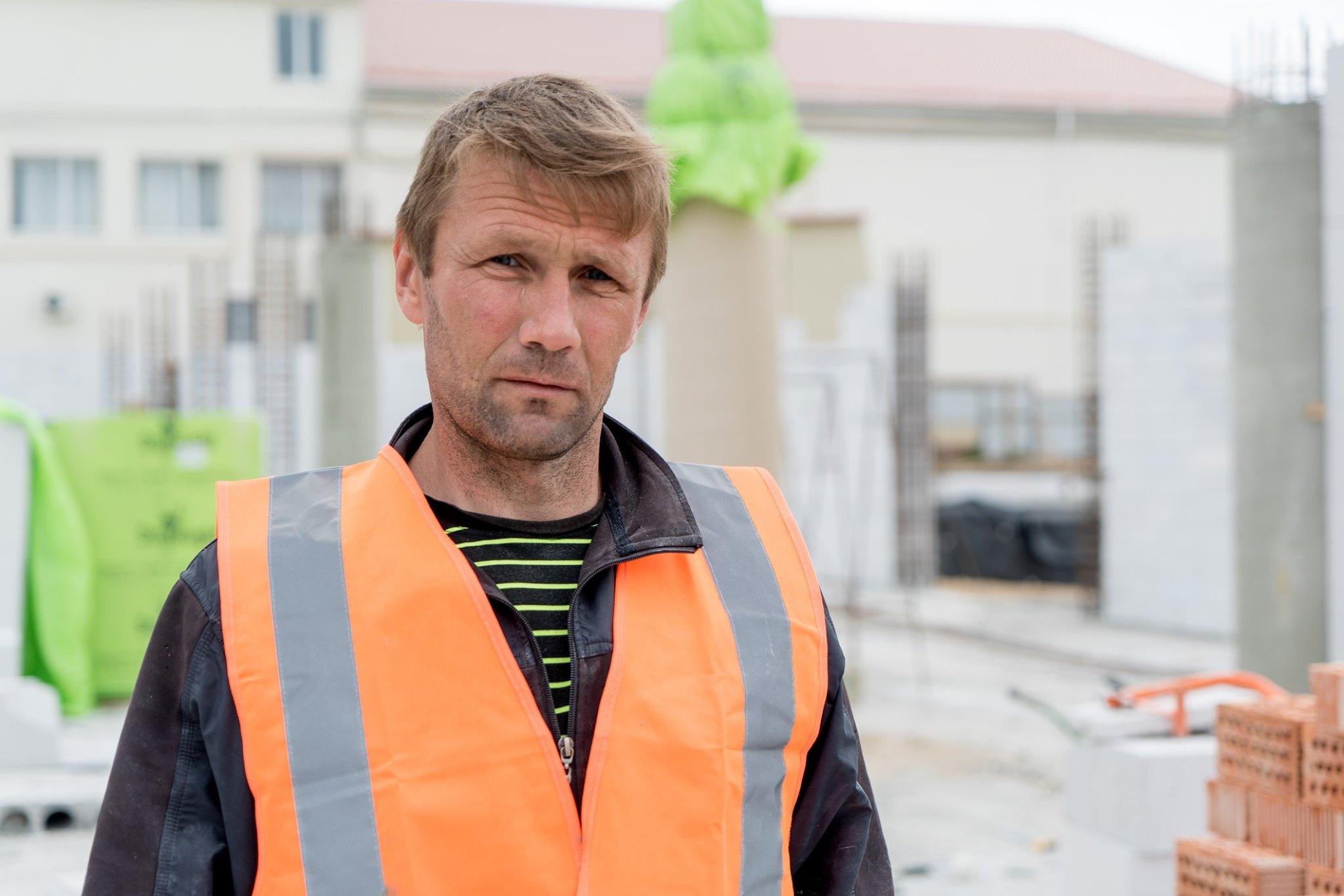 Строитель школы в пгт Авангард Одесской области Сергей Чернышов