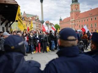 В Варшаве антикарантинный протест перерос в массовые беспорядки