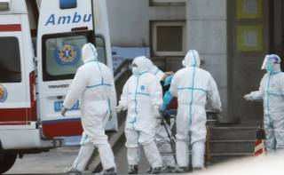 Власти Китая заблокировали десятки миллионов людей из-за новой вспышки COVID-19
