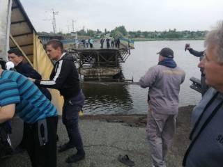 На Днепропетровщине обрушился мост вместе с фурой