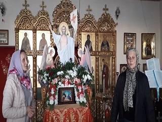 Верующие УПЦ рассказали о жизни общины, спустя год после захвата храма