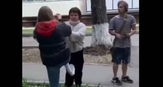 На Одесщине подростки поиздевались над девочкой с ограниченными возможностями и сняли все на телефон