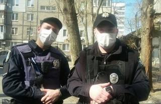 Под Киевом два копа избили и изнасиловали девушку
