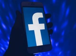 Разный Facebook: 20 извинений от Цукерберга и «упоротые нацики»-модераторы из Украины