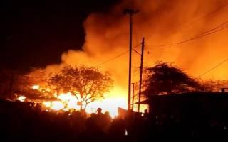 Гигантский пожар в Дели уничтожил более тысячи лачуг местных бедняков